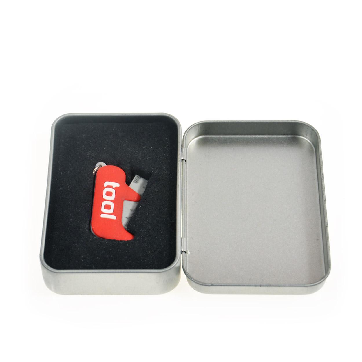 Přívěsky na klíče v plechové krabičce - blister pvc závěs
